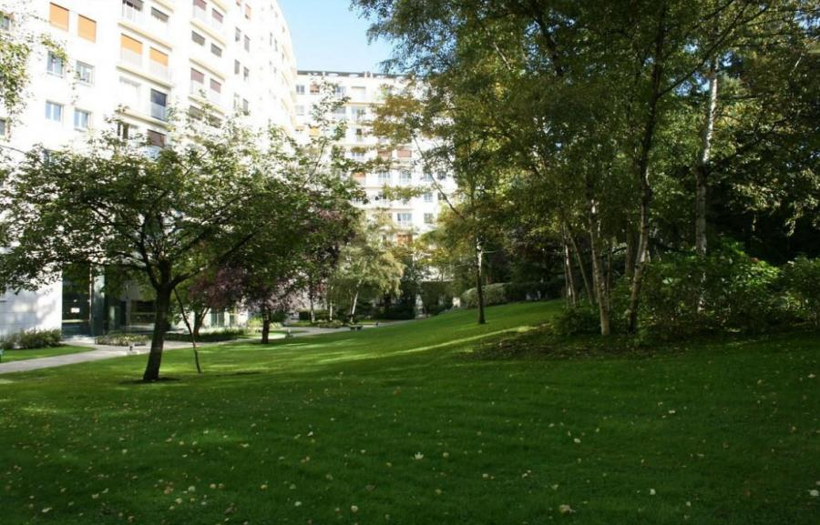 Paysagiste evry entretien espaces verts corbeil essonnes for Entretien jardin essonne
